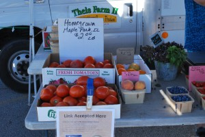 Aurora-West-Farmers-market-019-300x200