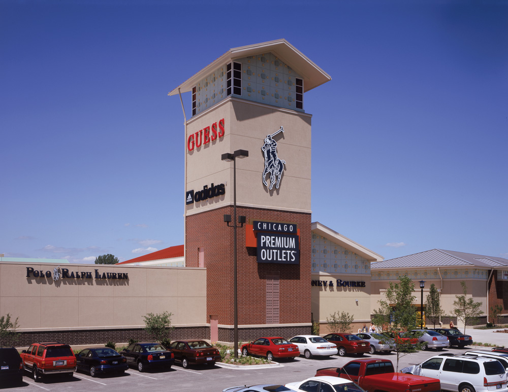 Find all of the stores, dining and entertainment options located at Chicago Premium Outlets®.